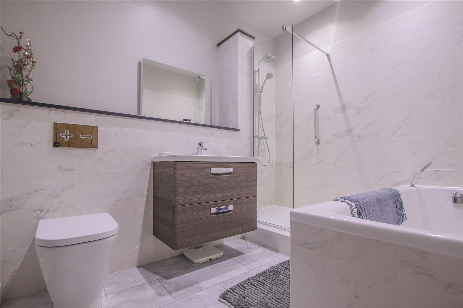 6 Bedroom Barn Conversion For Sale - 26.JPG
